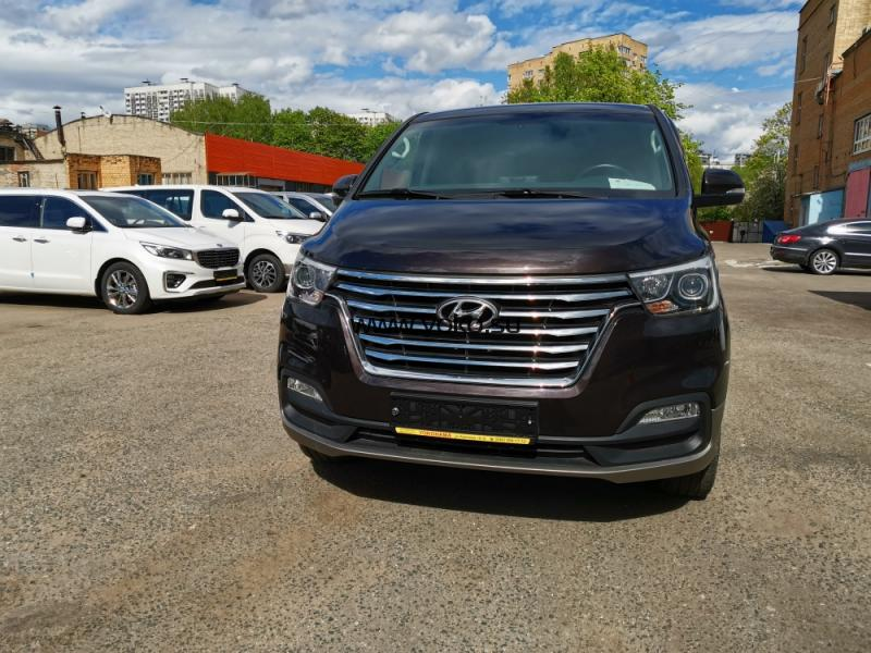 8755 Hyundai Grand Starex Urban Exclusive 2018 4WD